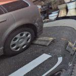 バックカメラがなくても車止めのギリギリ手前で車を止める方法はある