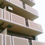 【業界の常識】ベランダの避難はしごは交互についている